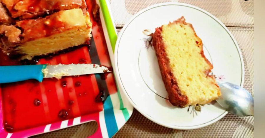 Cake à la farine de manioc imbibé de sirop de bissap