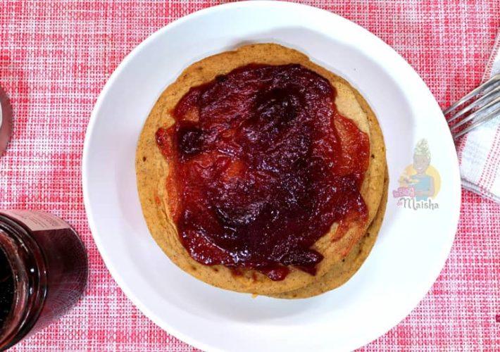 Pancake de patate douce et confiture de bissap